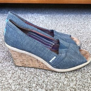 🛍TOMS Denim Wedge Sandals Size 8.5